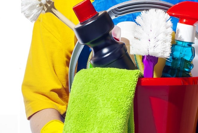 Which Are Better – Eco Friendly or Traditional Cleaning Products?